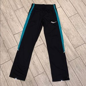 NWOT Saucony Athletic Leisure Pants